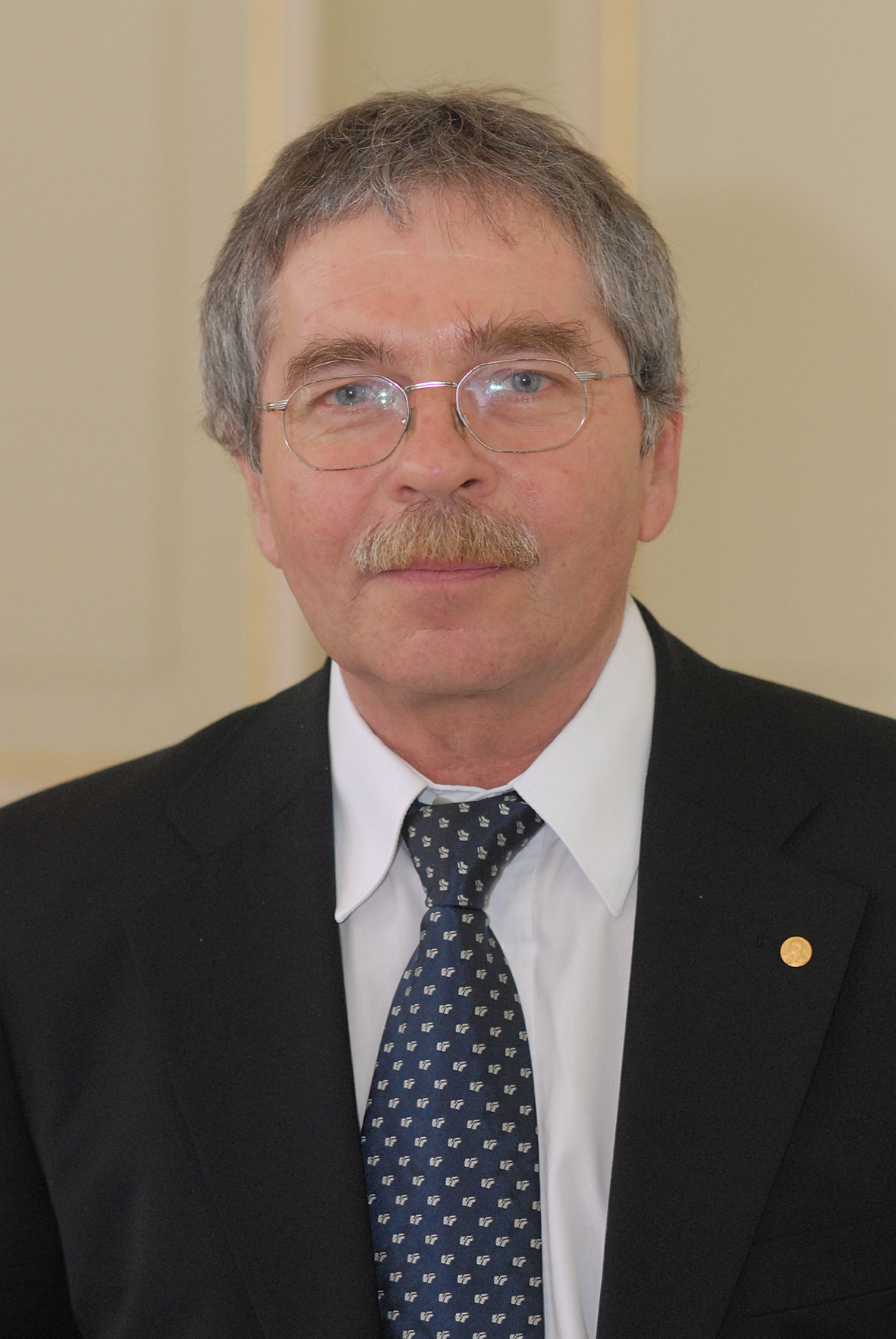 Dr. Georg Bednorz